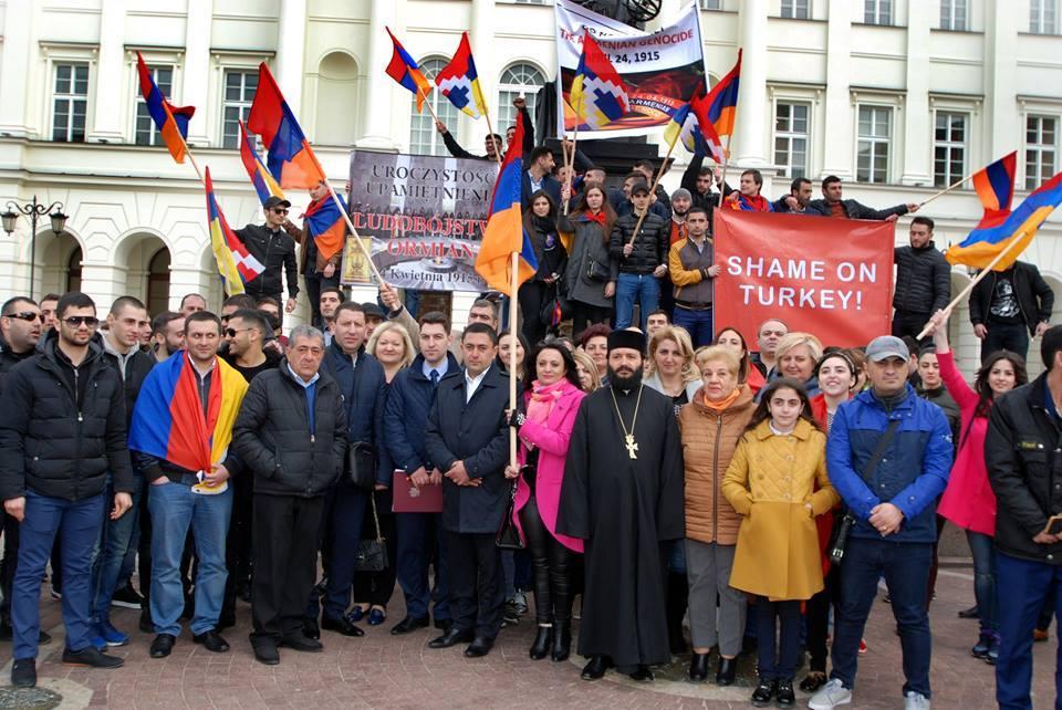 Wydarzenie poświęcone 102. rocznicy ludobójstwa Ormian w Warszawie w 2017 roku